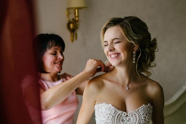 Елена Касьянова с дочерью. Фото со свадьбы
