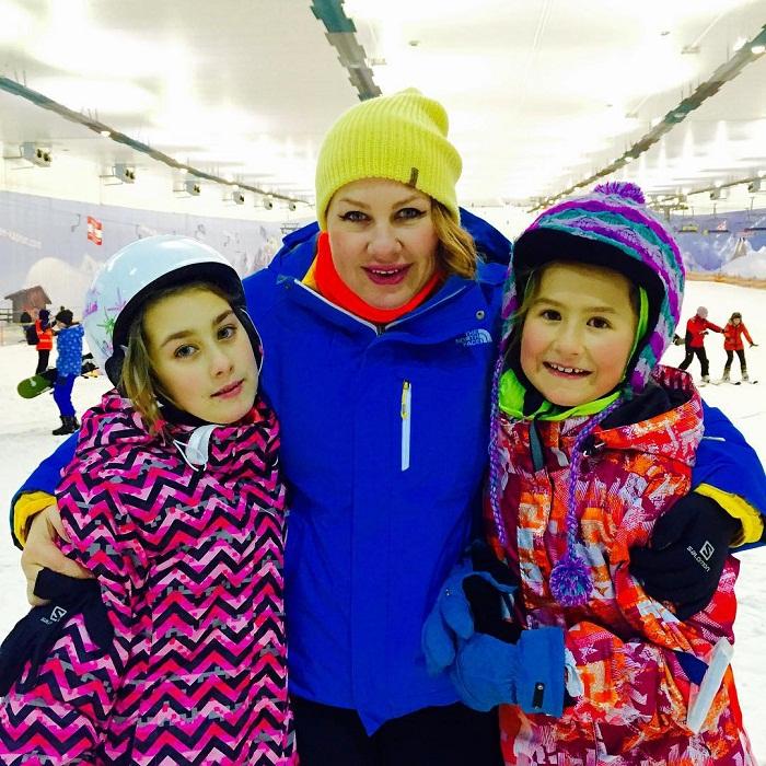 Ева Польна с дочерьми