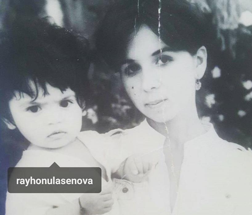 Райхон Уласенова с мамой