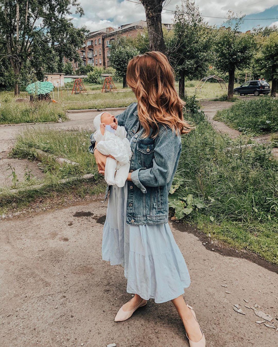 Александра Поснова с дочкой