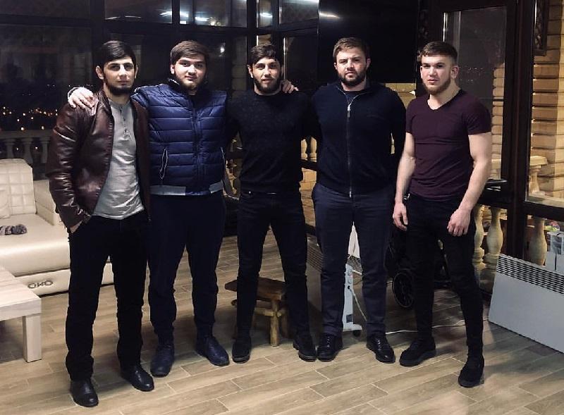 Эльдар Агачев с друзьями