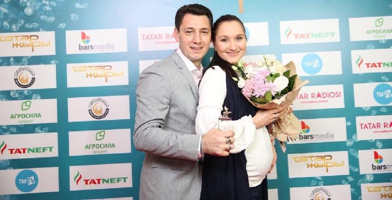 Тямай со своей женой